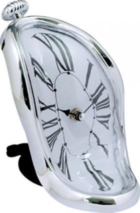 Утекающие часы Дали
